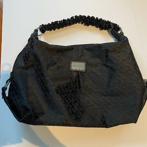 50% off❗️Tommy Hilfiger black purse in great condit…